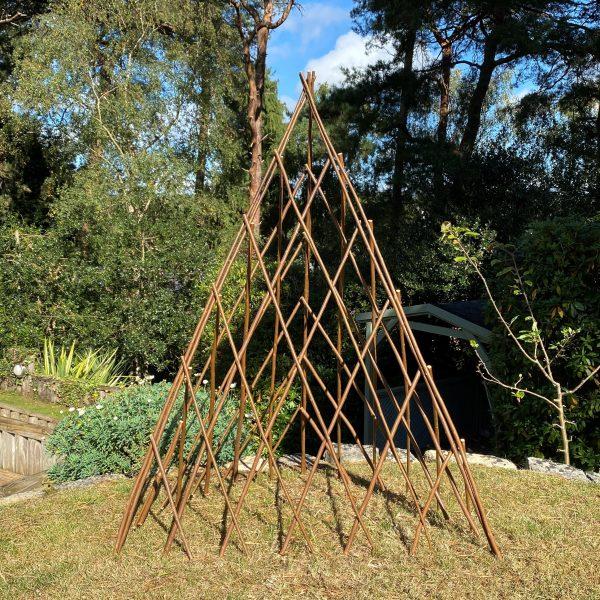 Expanding Willow Garden Obelisk (1.2m)