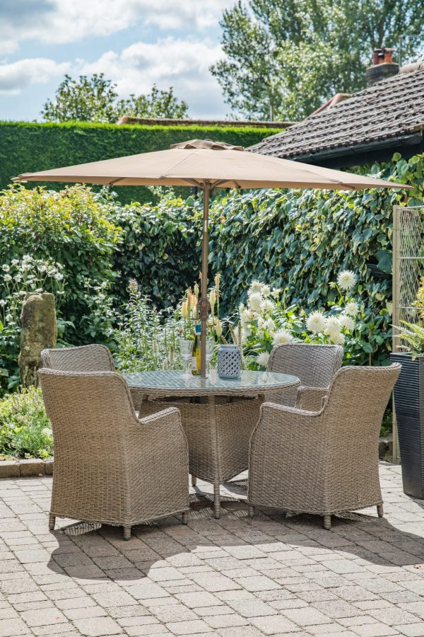LG Outdoor Saigon 4 Seat Dining Set with Eclipse Parasol and Base