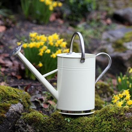 Metal watering can - vintage cream
