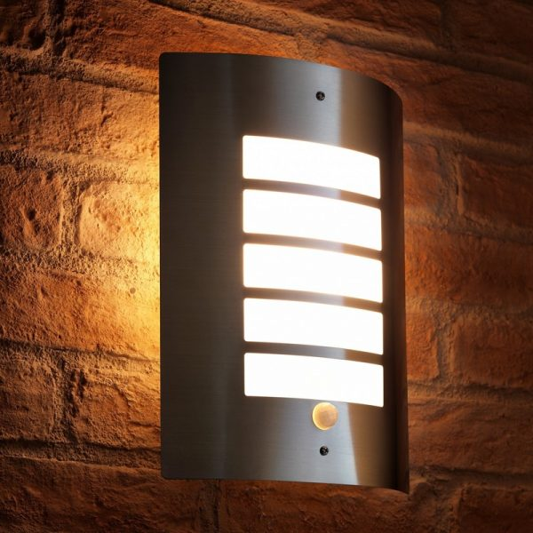 Auraglow Dusk Till Dawn Photocell Daylight Sensor Switch Outdoor Wall Light, Warm White - Aluminium